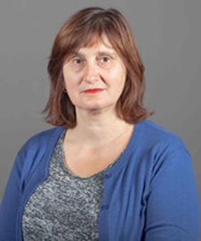 profesor Olga Popovic Larsen