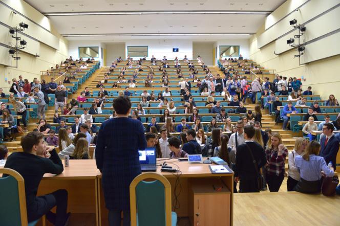 Finaliści podczas II etapu ogólnopolskiego konkursu chemicznego Wygraj Indeks w 2019 roku