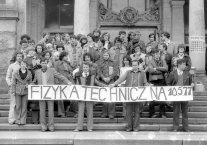 Absolwenci 1977