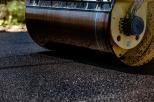 Kładzenie asfaltu