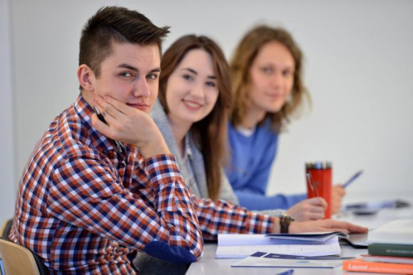 Acquiring students/graduates