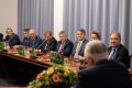Wicepremier i minister rozwoju, pracy i technologii Jarosław Gowin wraz z członkami Rady ds. Planu dla Pracy i Rozwoju